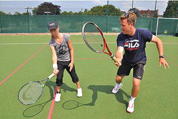 right-tennis-coach
