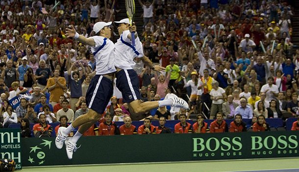 bryan-brothers-chest-bump