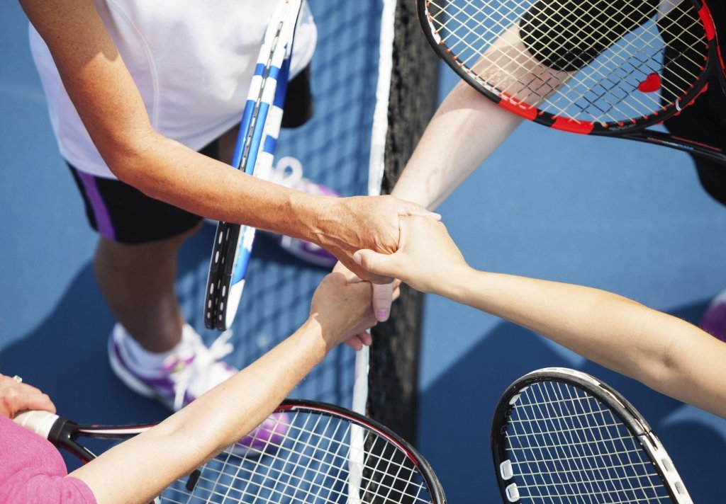 How To Make Friends and Meet New People Simply By Playing Tennis